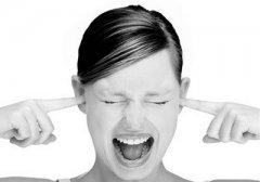 生活中耳鸣是什么原因引起的